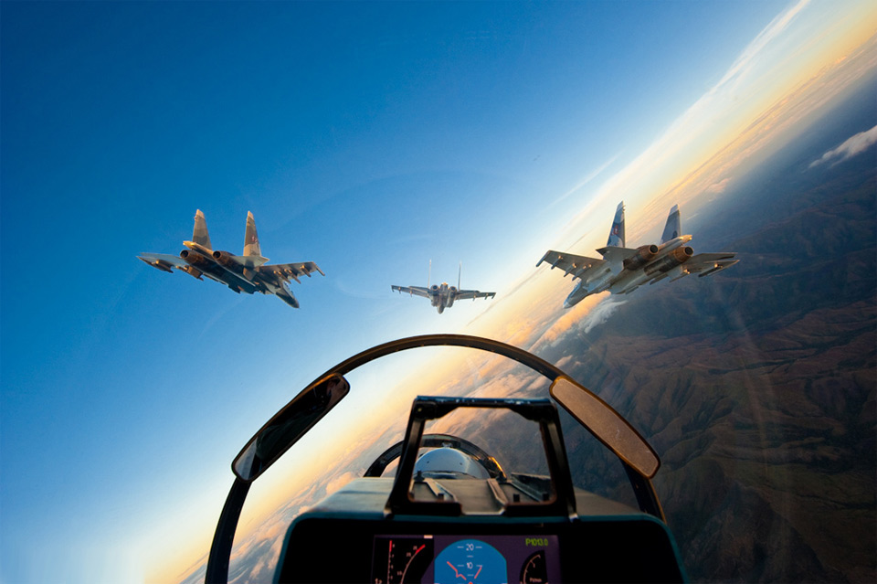 http://theaviationist.com/wp-content/uploads/2012/02/fighter-aircrafts-formation.jpg