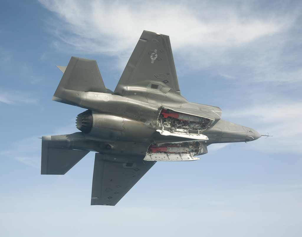 The Aviationist 187 Photo F 35b With Weapons Bay Doors Open