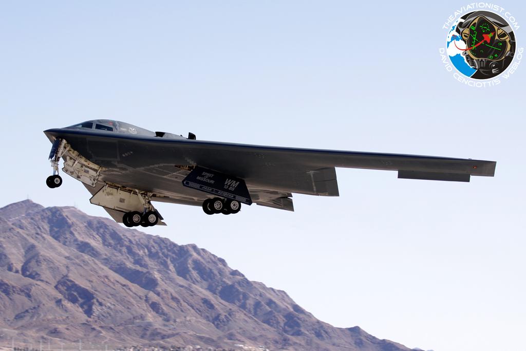 De B52 Stratofortress is een Amerikaanse zware bommenwerper voor de lange afstand geschikt voor nucleaire  of conventionele bommen gebouwd door Boeing