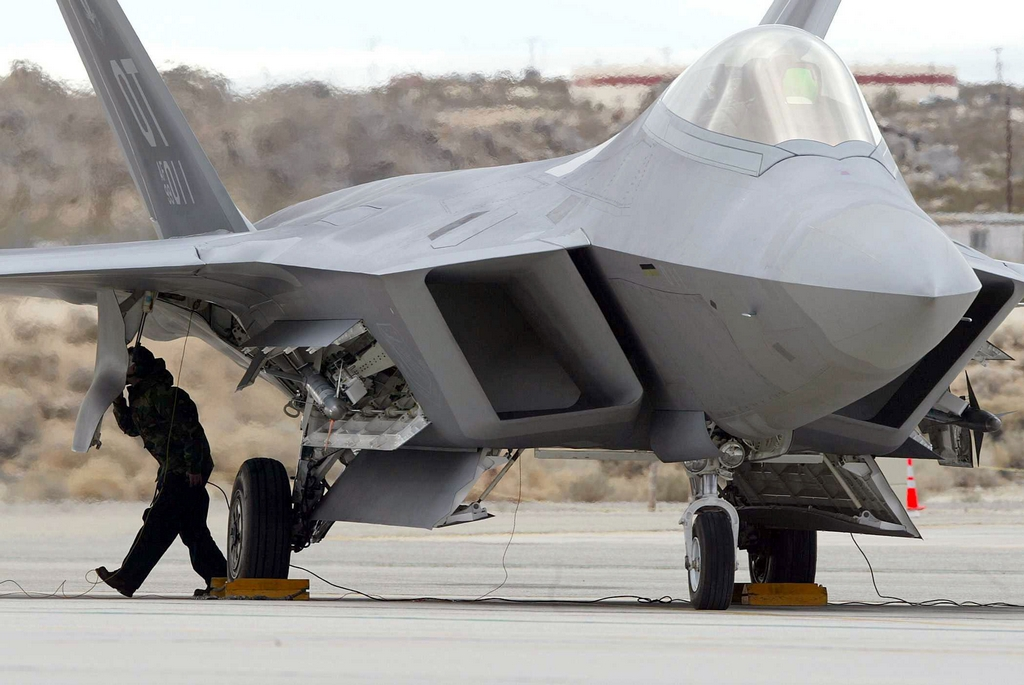 The Aviationist 187 China S New Stealth Fighter S Missile