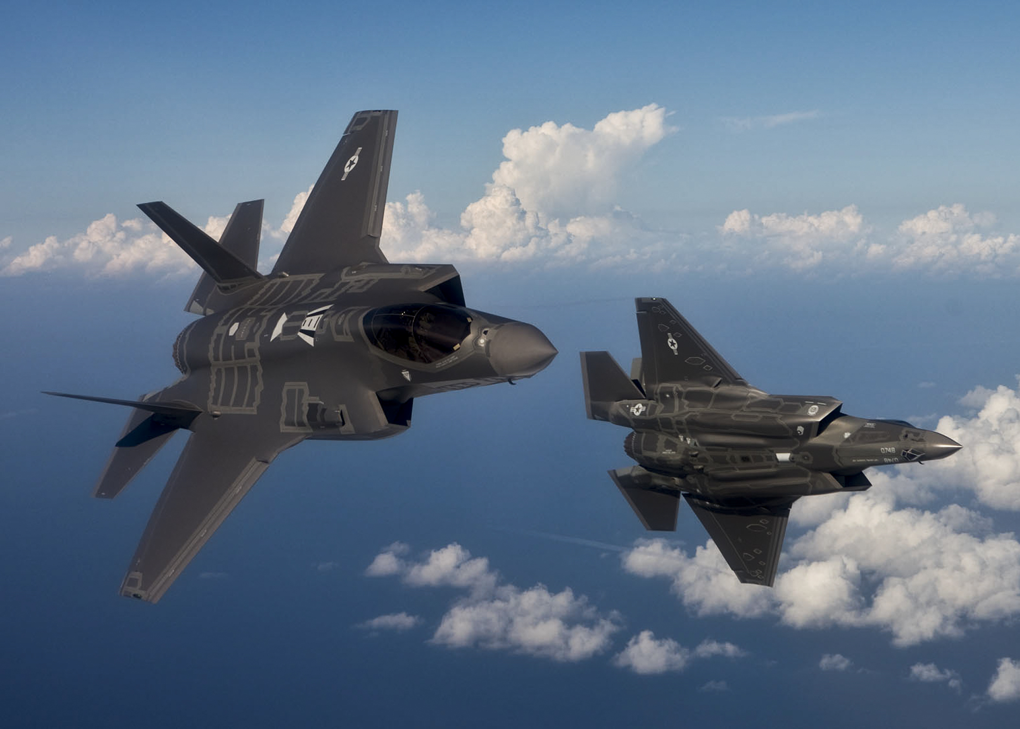 http://theaviationist.com/wp-content/uploads/2013/04/F-35.jpg