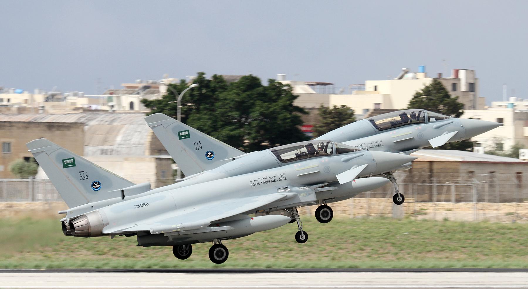 الموسوعه الفوغترافيه لصور القوات الجويه الملكيه السعوديه ( rsaf ) - صفحة 6 Top-RSAF-Typhoons