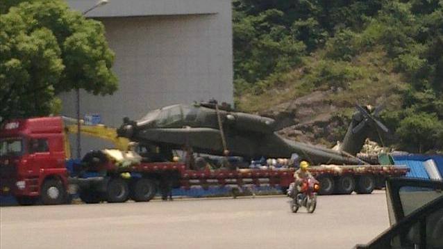 Fuerzas Armadas de la República Popular China - Página 5 Apache-Helo-in-China