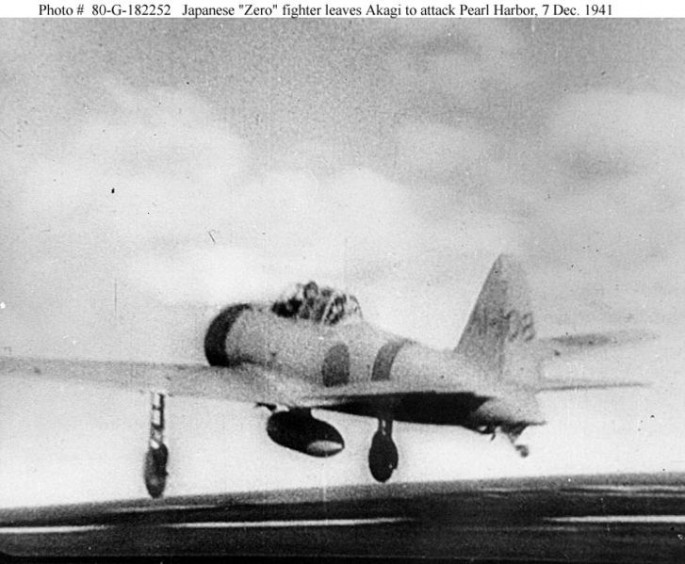 1-Jap_Zero_leaves_Akagi-Pearl_Harbor