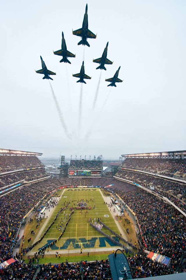 Army Vs Navy Football >> The Aviationist » The impressive sight of the Blue Angels flyover at the NCAA Army-Navy game