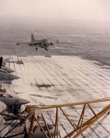 Grumman A-6 Intruder y EA-6B Prowler A-6-snow-deck