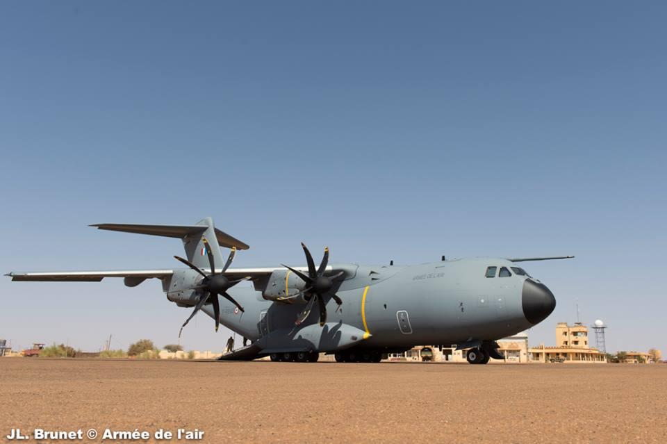 طائرة النقل العسكري البعيدة المدى Airbus A-400M A400M-Mali-top