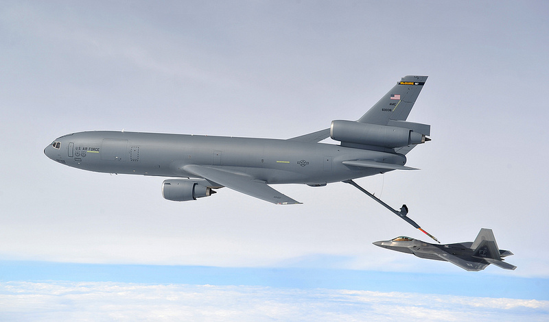 US Air Force - USAF - Page 39 F-22-refuel-KC-10