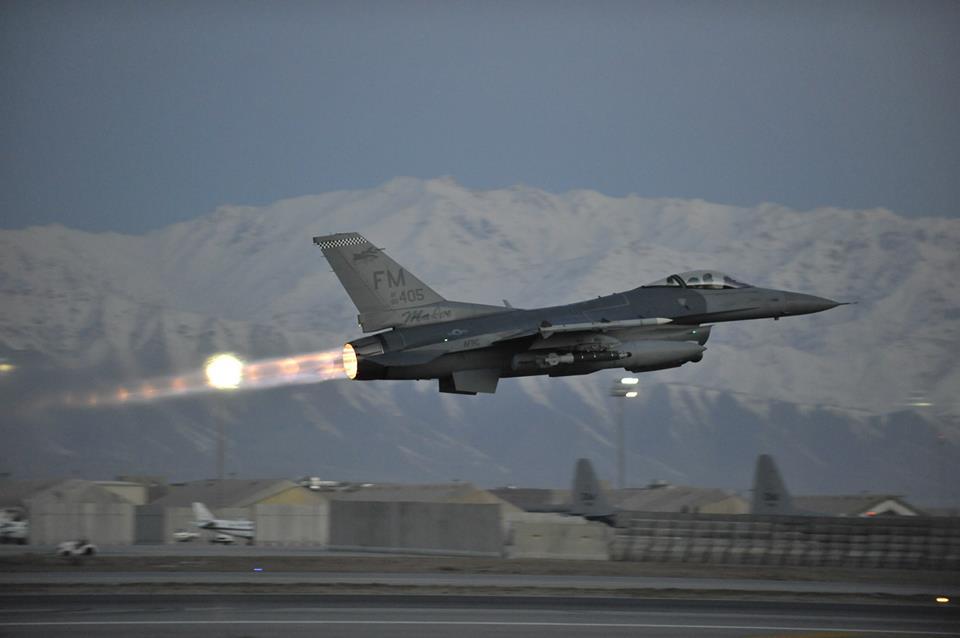 ผลการค้นหารูปภาพสำหรับ f-16 bagram air base