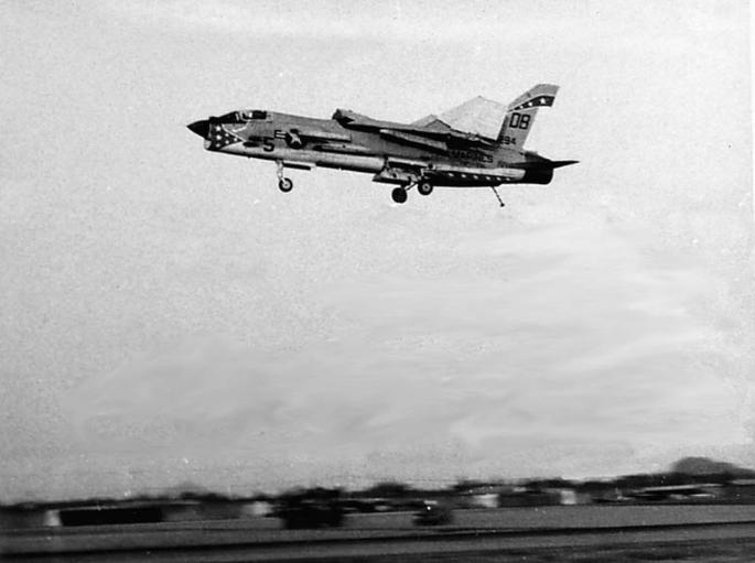 F-8 folded wings