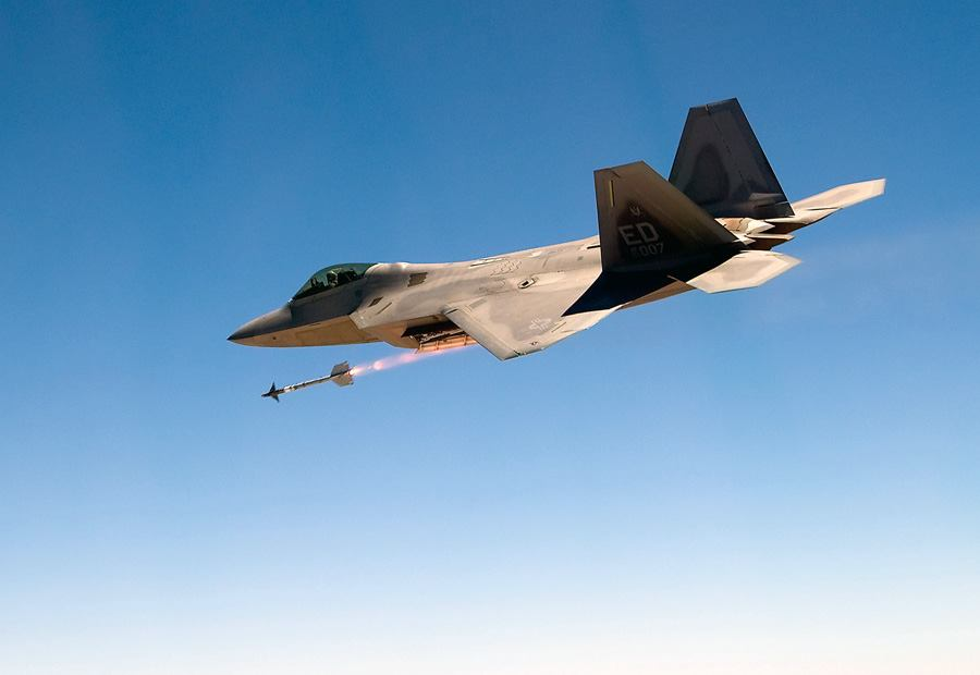 Emports, armements, équipements - Page 8 F-22-missile