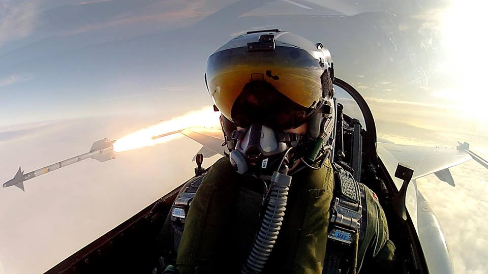 The Aviationist: The ultimate selfie
