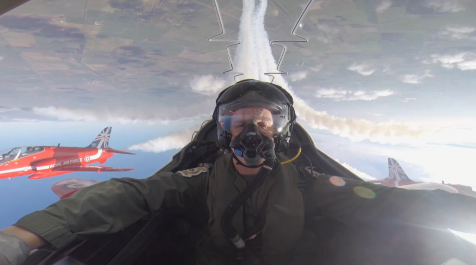 http://theaviationist.com/2014/03/28/red-arrows-backseat-ride/