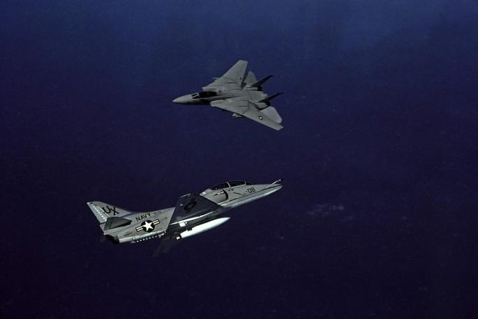 TA-4F_F-14A_merge