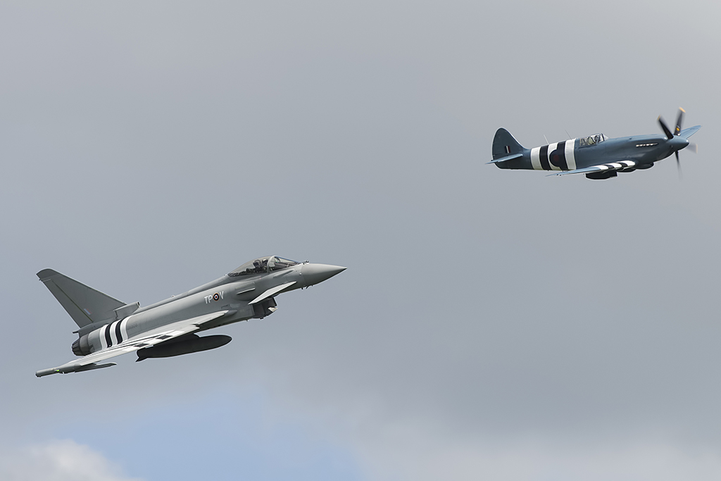 http://theaviationist.com/2014/06/05/duxford-d-day-airshow/