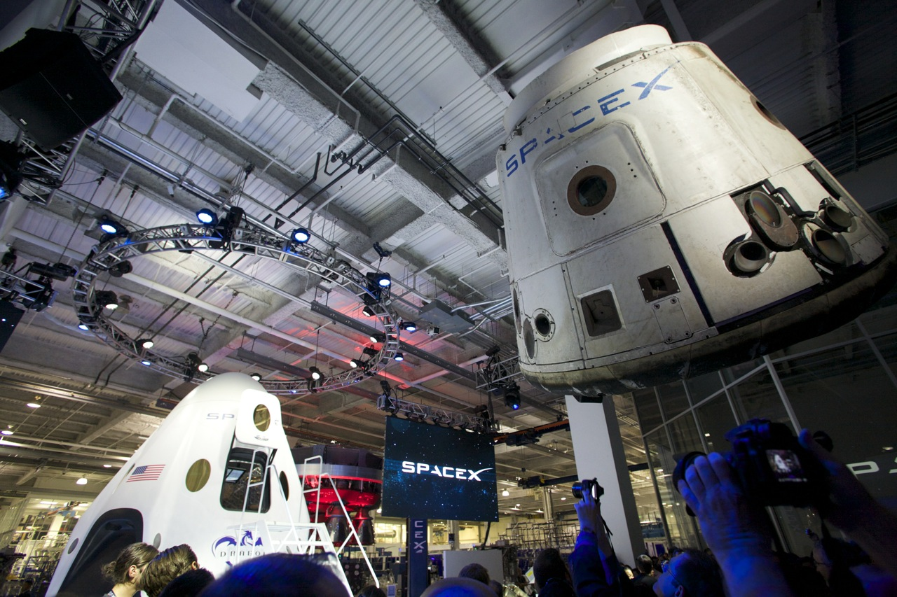 inside spacex mars mission spacecraft-#10