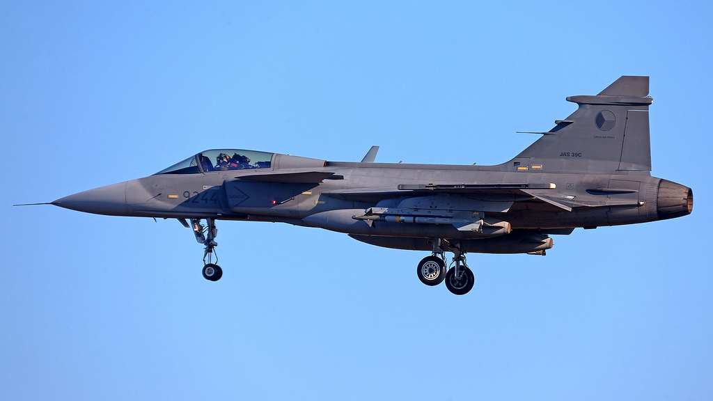 [Imagen: Gripen-deploying-to-Iceland.jpg]