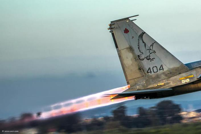 F-15 exhaust close up