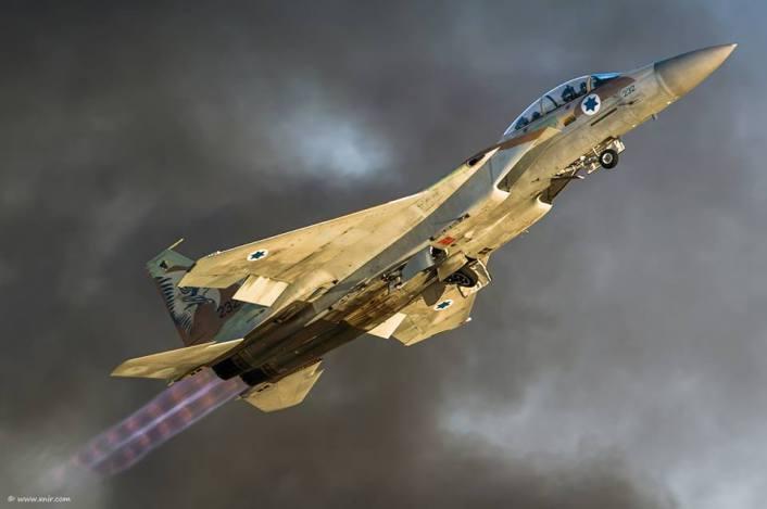 F-15I take off smoke