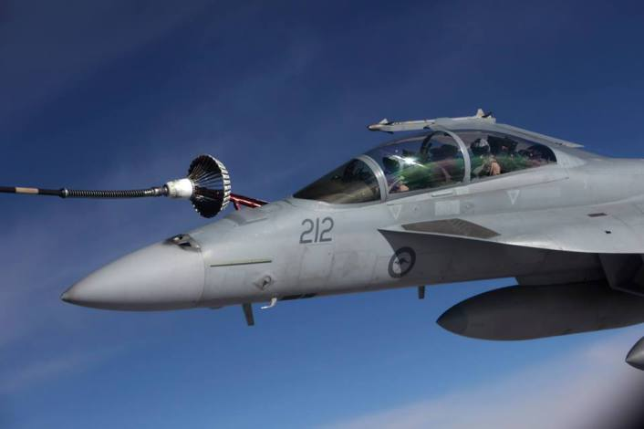 RAAF Hornet Iraq refuel
