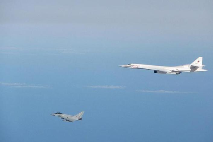 Tu-160 intercepted