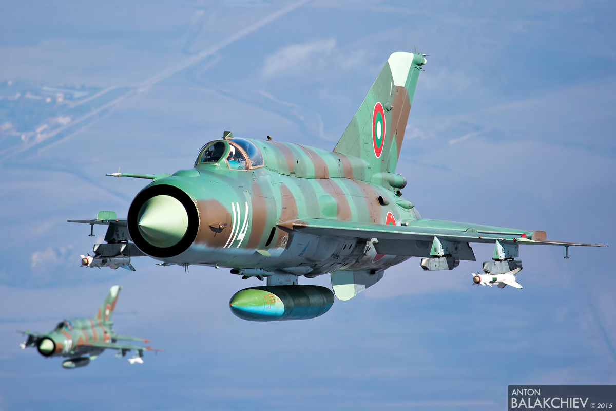 The legendary MiG-21 - Page 2 T_scramble_08