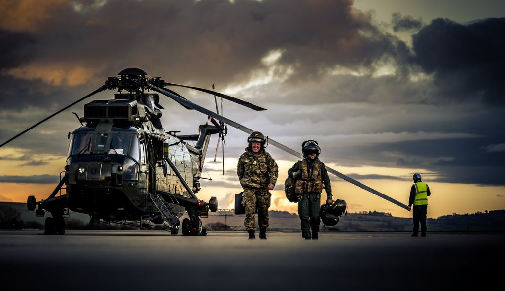navy sea king helicopter with Sea King on 14 D005SeaKing as well Sea King further British Soldier Died Trying Retrieve Body Dead Afghan  rade further Hh 60g Pave Hawk besides 2014 in aviation.