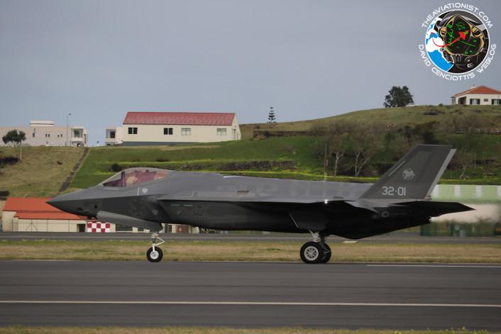 F-35 left side