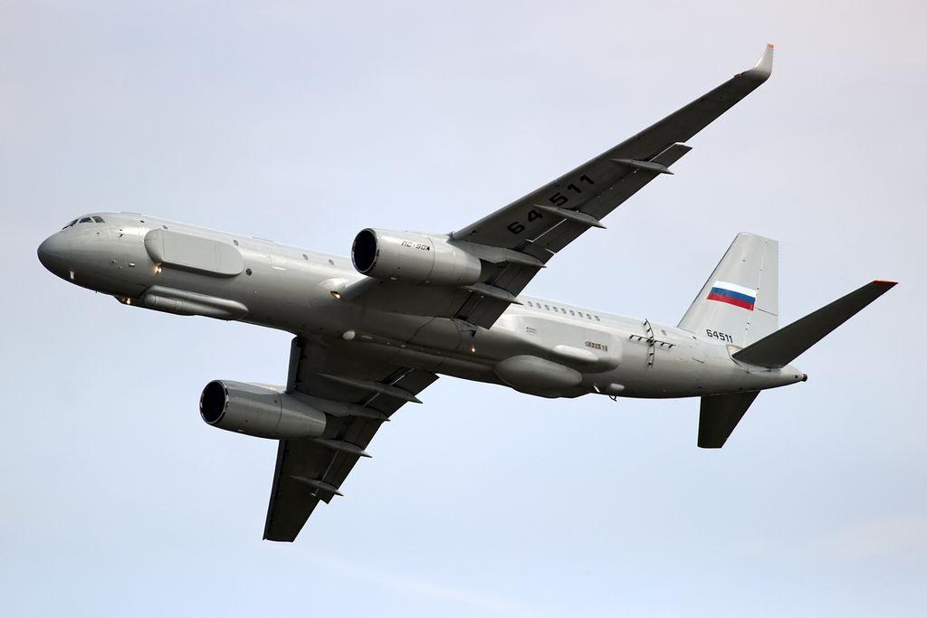 Tupolev_Tu-214R_inflight.jpg