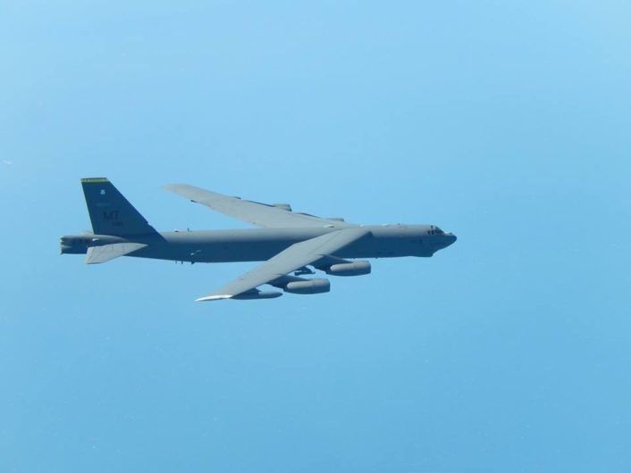 B-52 escorted by Rafale 3