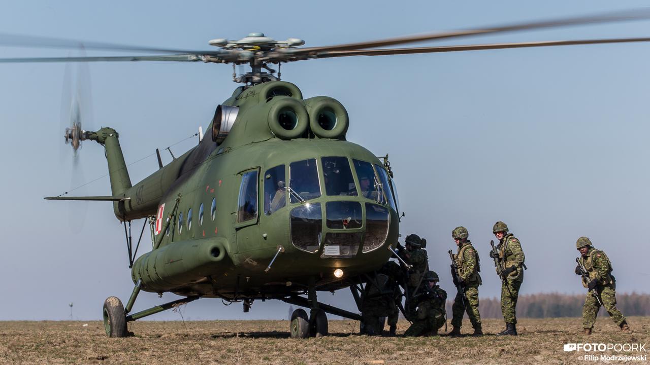 Elicottero Mi 8 : The aviationist polish mi and w helicopters train