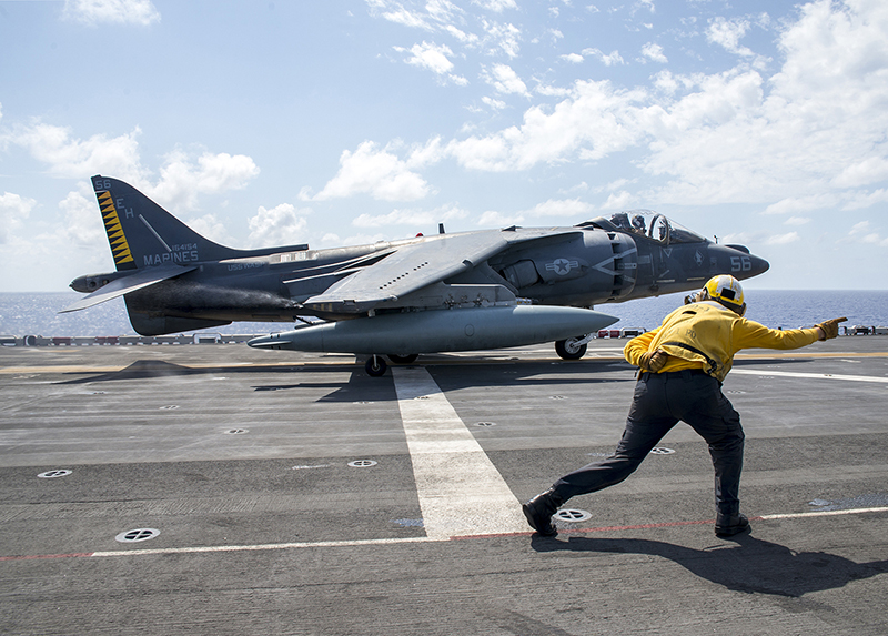 AVION DE COMBATE HARRIER HISTORIA Y VARIANTES - Página 2 AV-8B-Libya-top