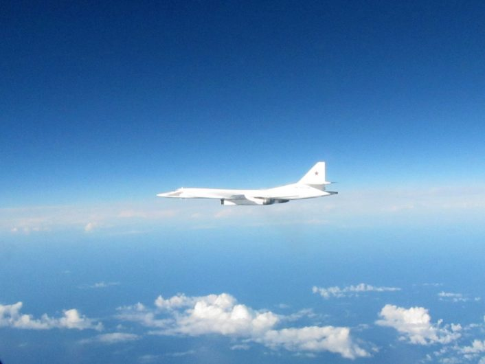 tu-160-intercepted-2