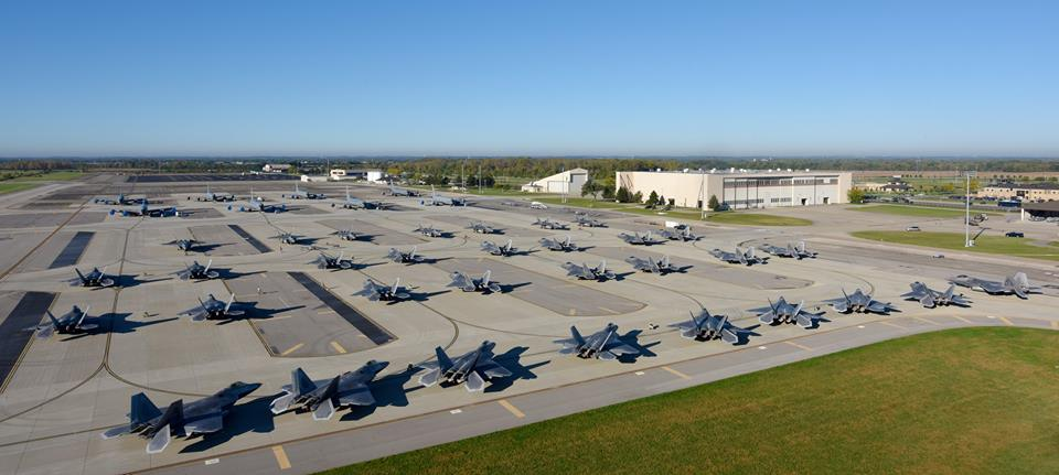 32 F 22 Raptors Moved To Rickenbacker Air National Guard Base To Escape Hurricane Matthew