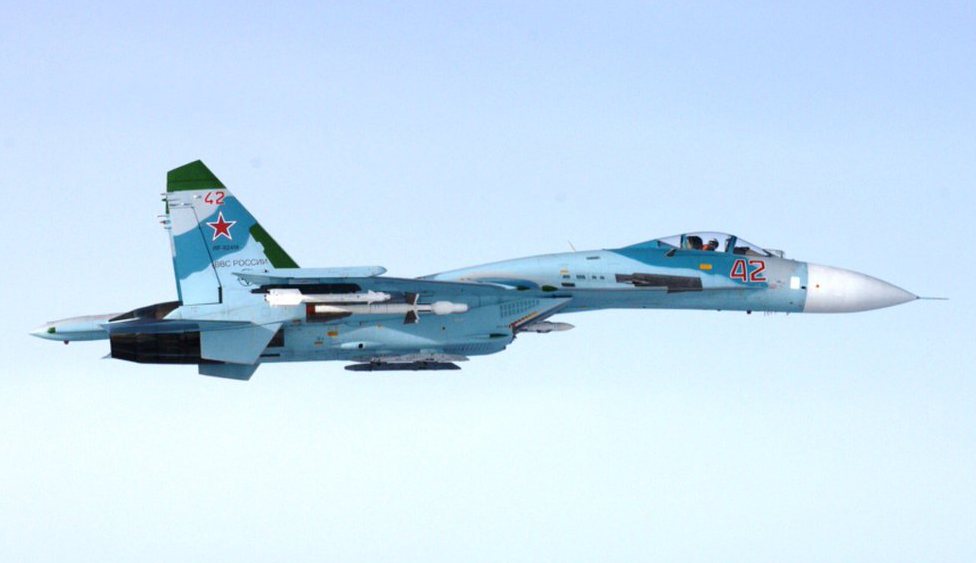 Su-27-Flanker-intercepted.jpg