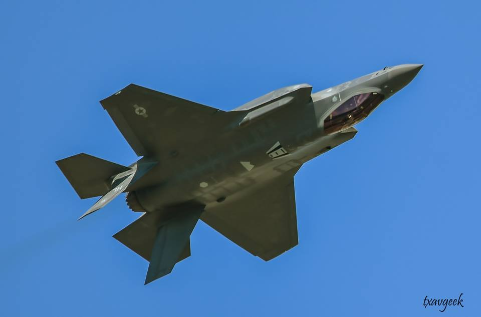 USAF Grounds 55 F-35 Fighter Jets Over Oxygen Problems