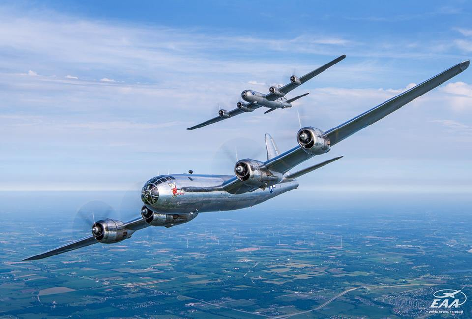 Beautiful Video of The Only Two Flying B-29s Together For The First Time
