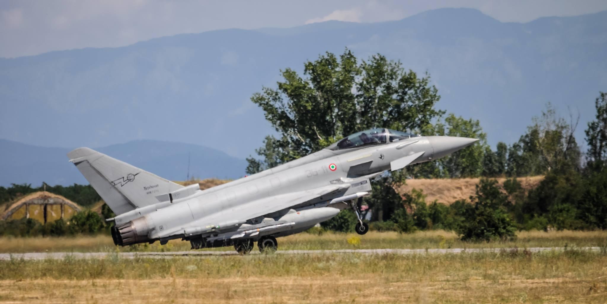 يوروفايتر تايفون ..... افضل ما بناه الاروبيين في العقد الاخير  Typhoon-landing