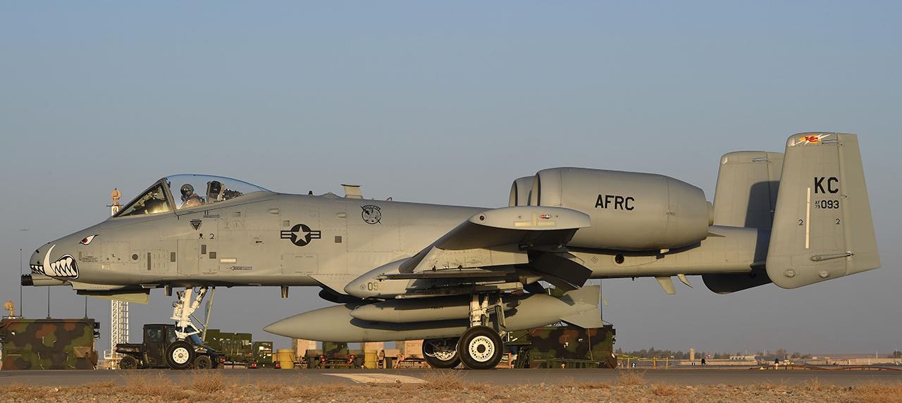The Aviationist » 12 U.S. Air Force A-10 Thunderbolt II ...