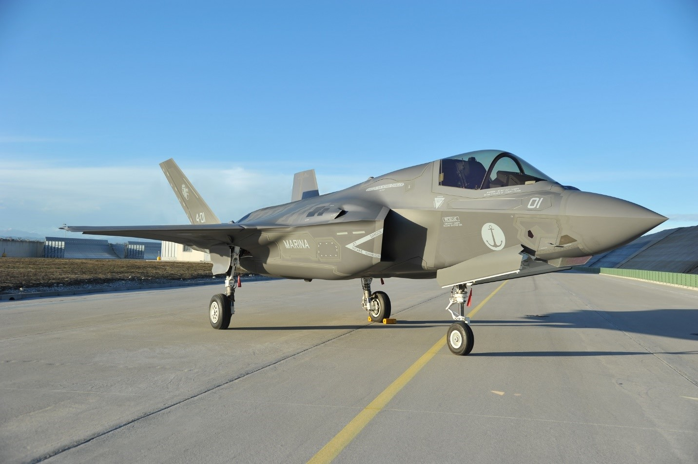 The aviationist italian navy the first f 35b assembled outside the us delivered to the italian ministry of defense today kristyandbryce Image collections