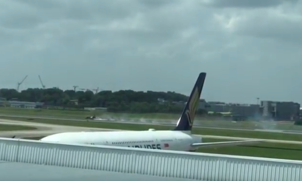 Korean jet catches fire at Singapore Airshow