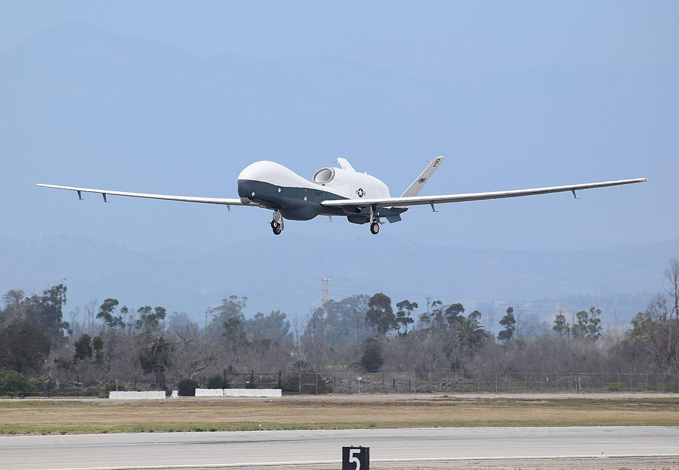 MQ-4C Triton arrives in Guam - Unmanned Vehicles